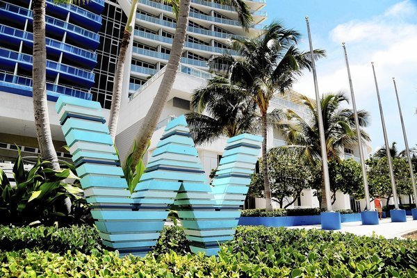 W Hotel Residences Sold To Miami Dolphins Owners Stephen Ross Sun Sentinel