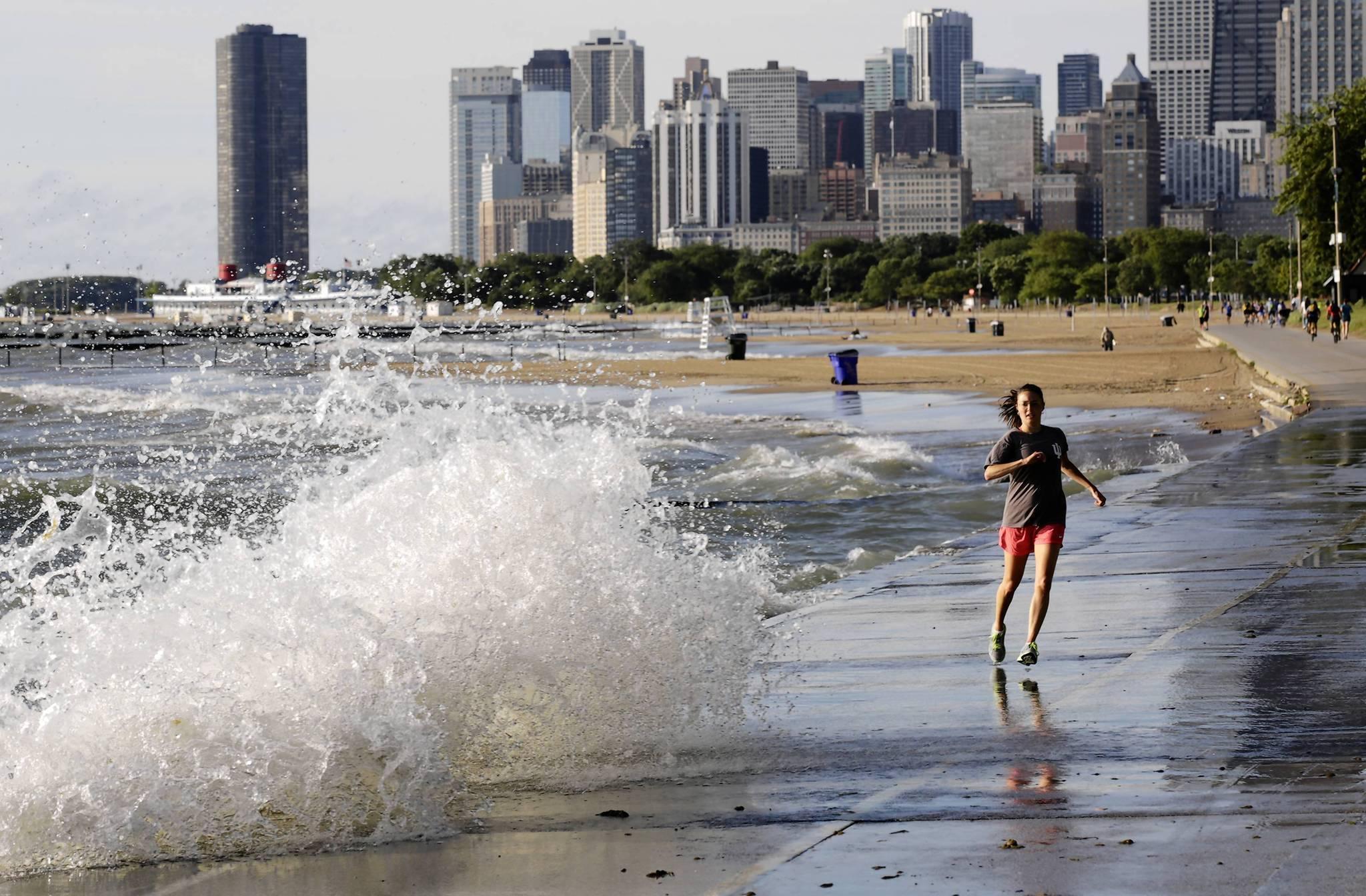 warning to chicago swimmers in lake michigan chicago tribune