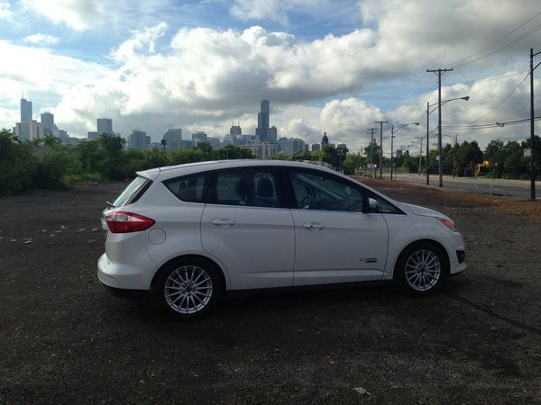 2014 ford c max energi makes space among plug in hybrid compacts chicago tribune. Black Bedroom Furniture Sets. Home Design Ideas