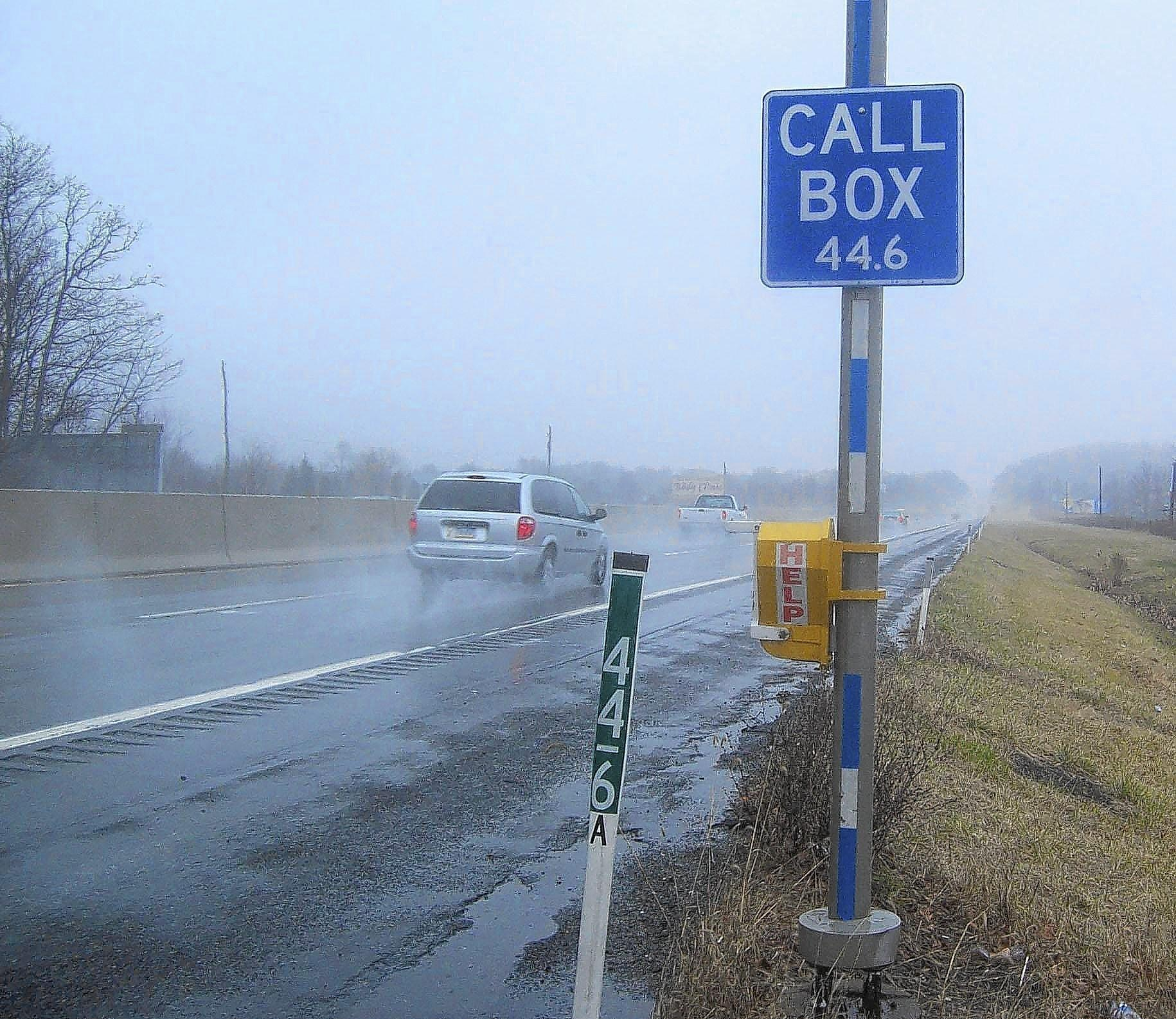 Turnpike traffic-alert radio, call boxes still on the road