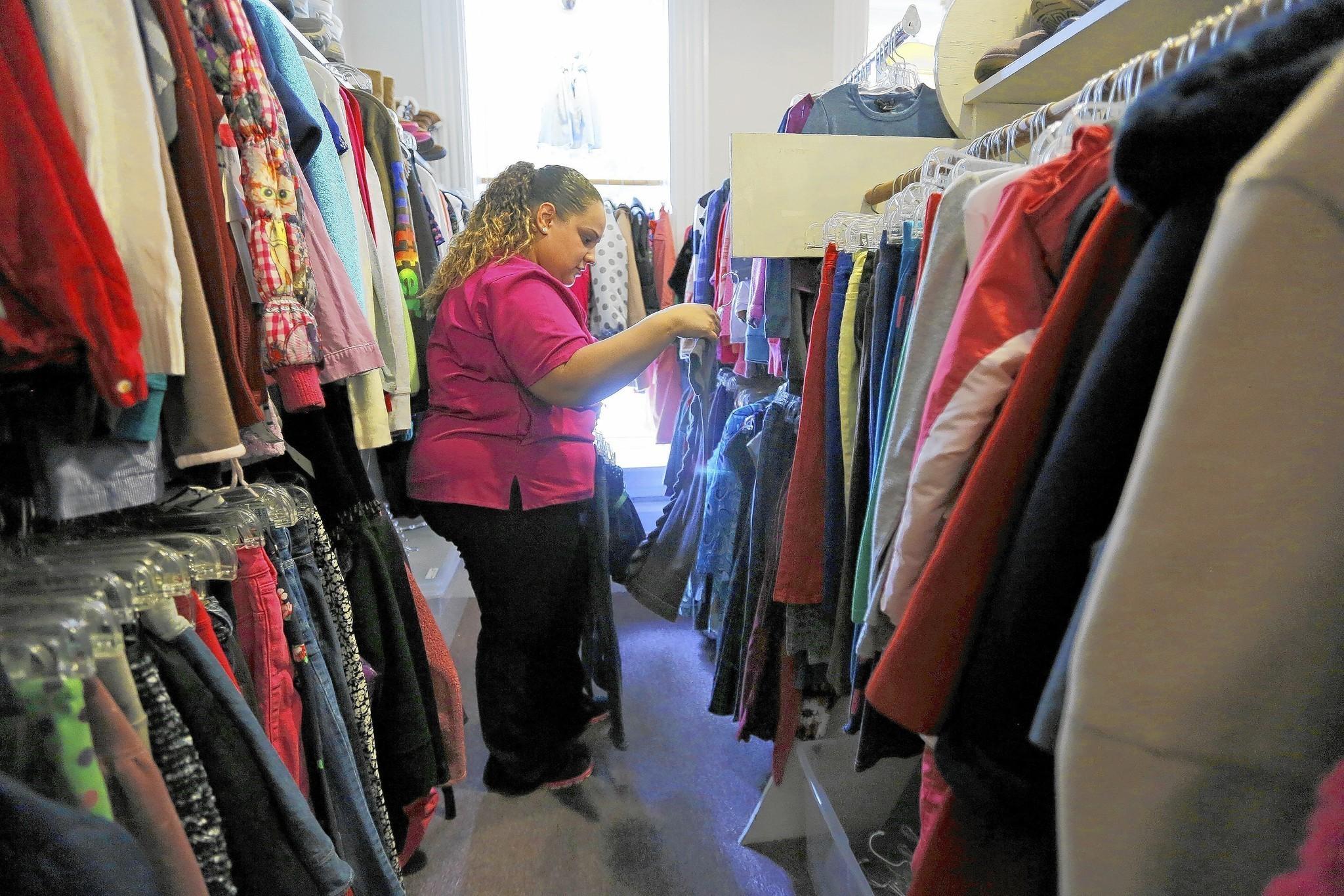 Resale kids clothes online