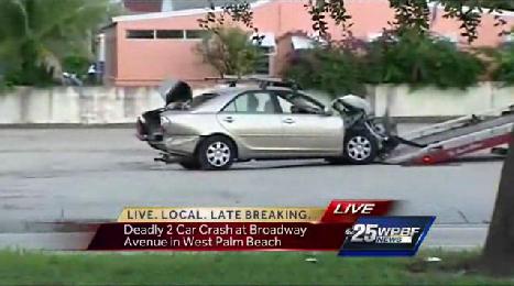 Police investigate deadly 2 car crash at Broadway Avenue