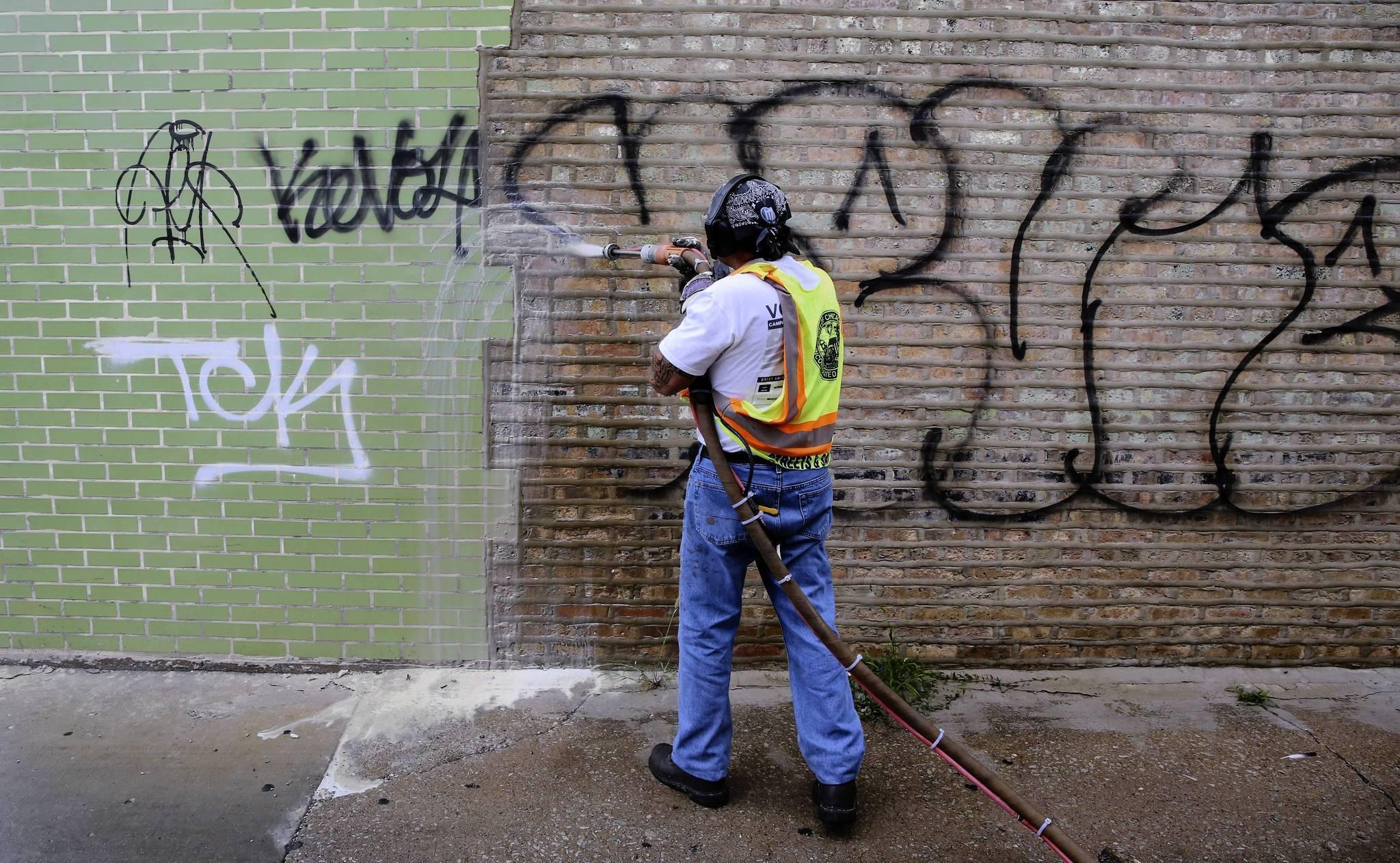 Emanuel touts graffiti removal efficiency chicago tribune