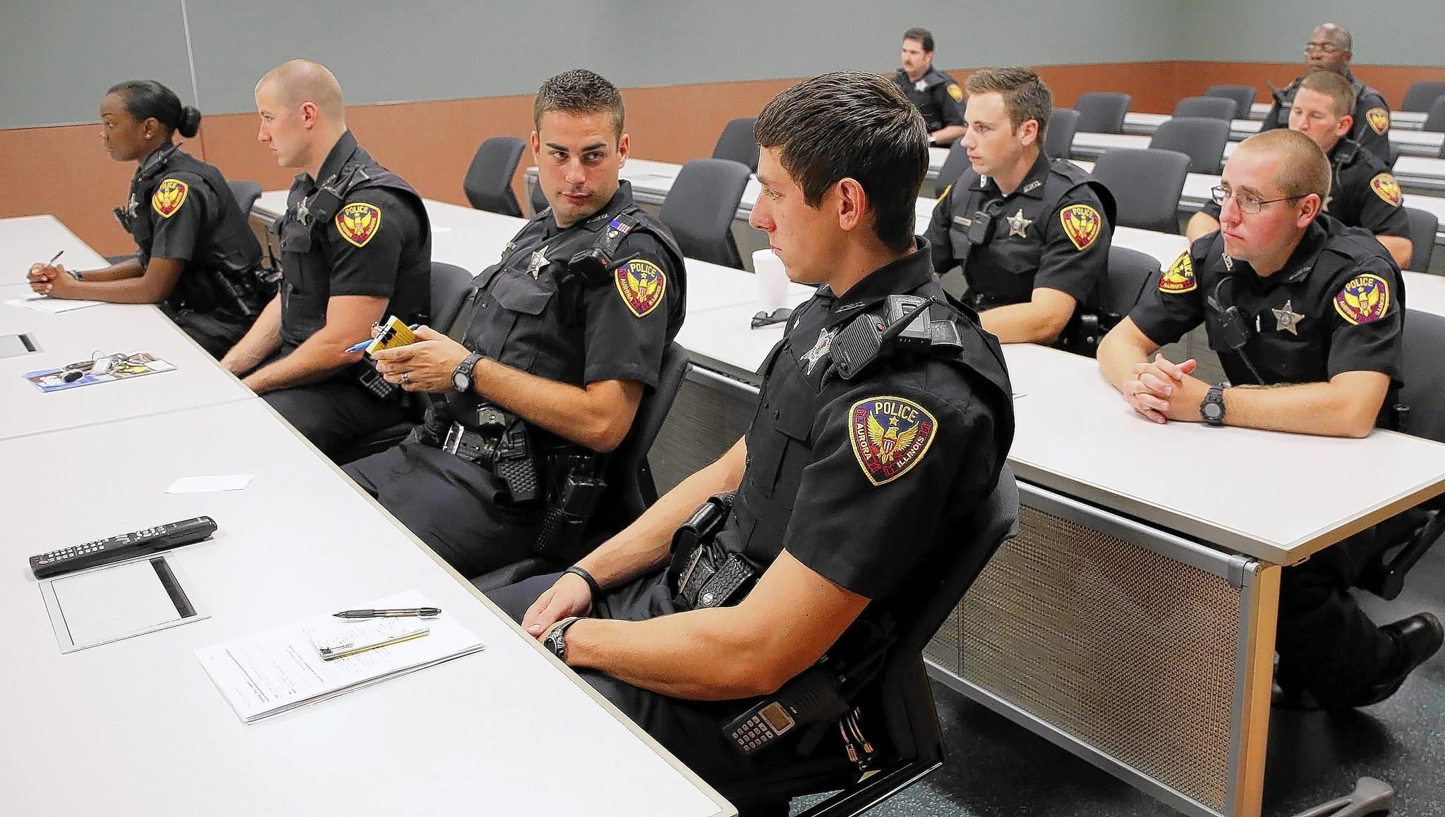 Aurora investigating several gang-tied homicides - Aurora Beacon-News f939e81fe0