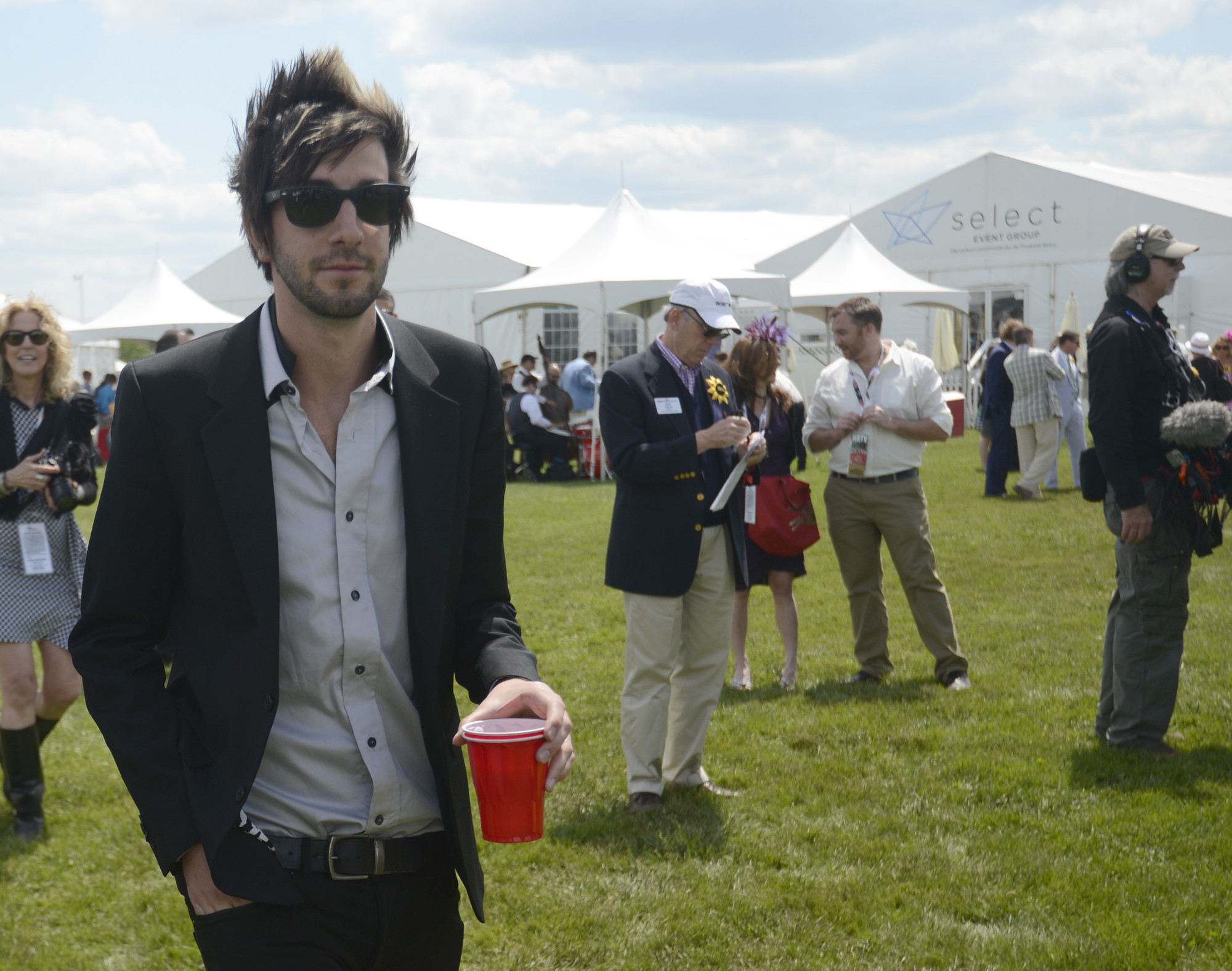 all time low s jack barakat jumps into bar industry with the
