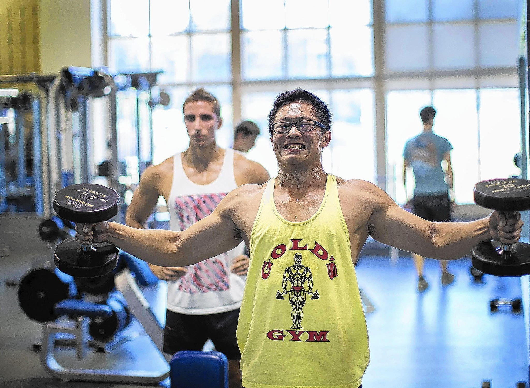 Gym Bro Culture Lets Young Men Share The Weight Of Workouts La Times