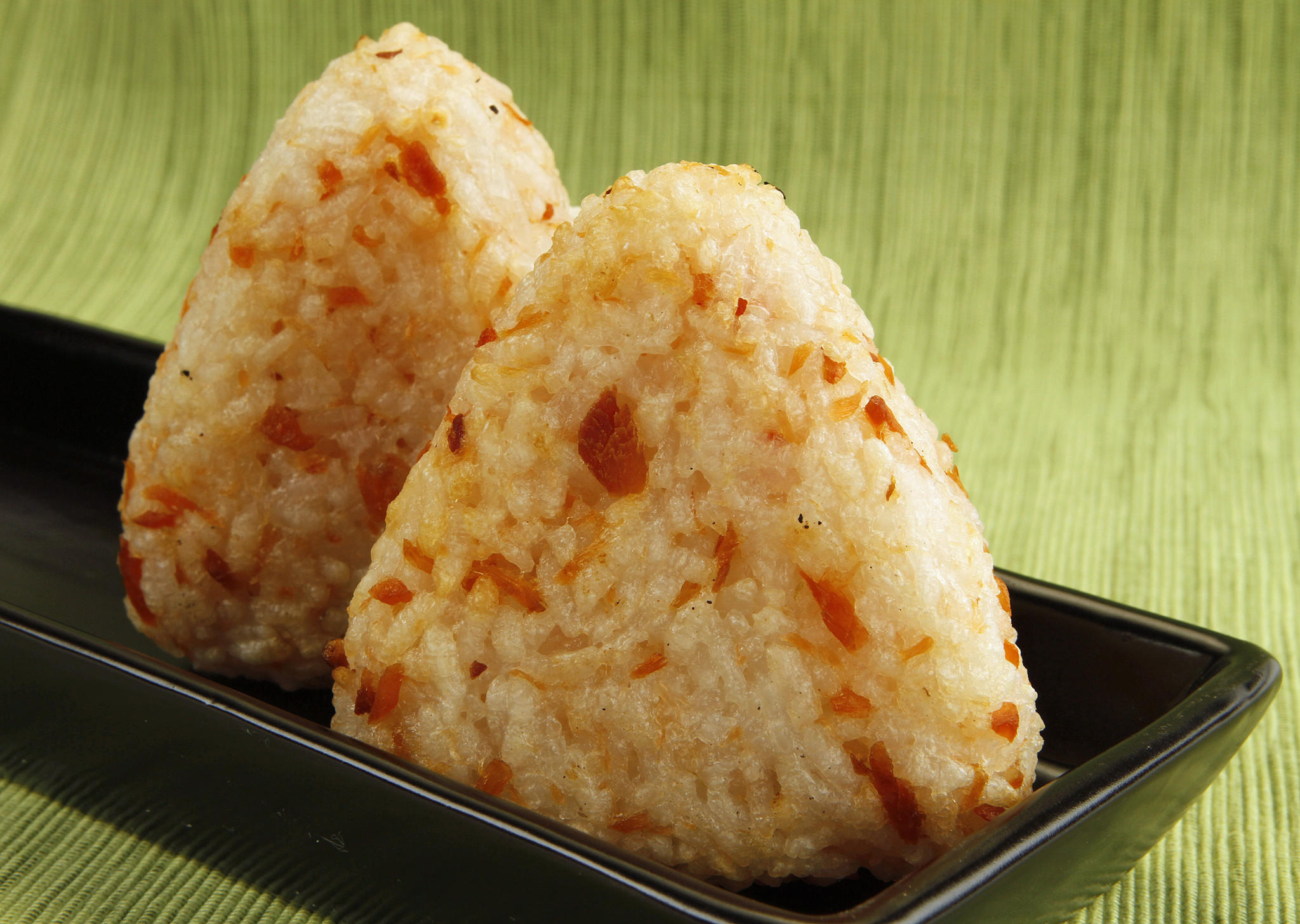 Smoked salmon onigiri filling