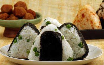 Fresh pea and umeboshi onigiri filling