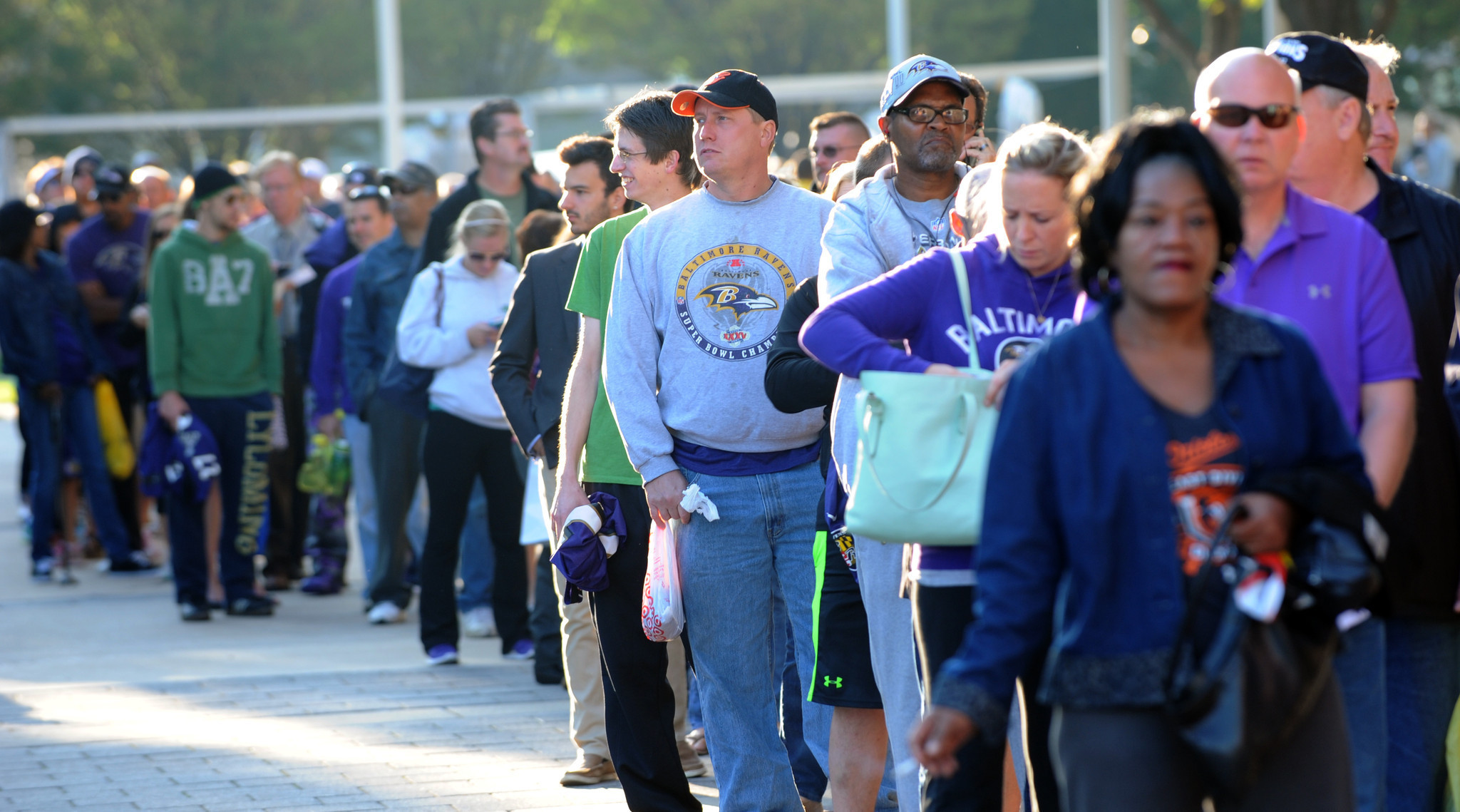 7204361c12e Fans line up to turn in their Ray Rice jerseys at M&T Bank Stadium -  Baltimore Sun