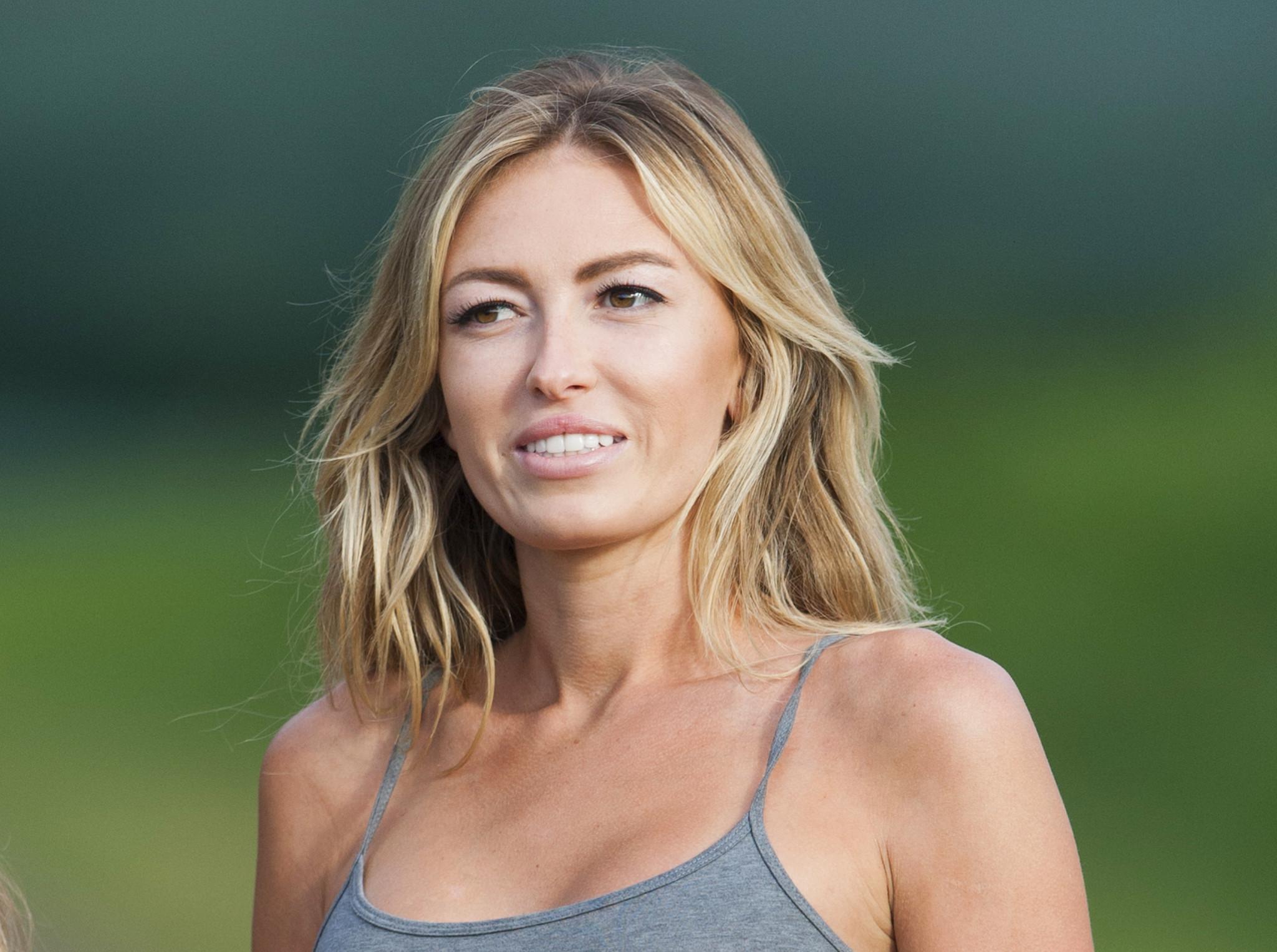 Paulina Gretzky Nude Photos 40
