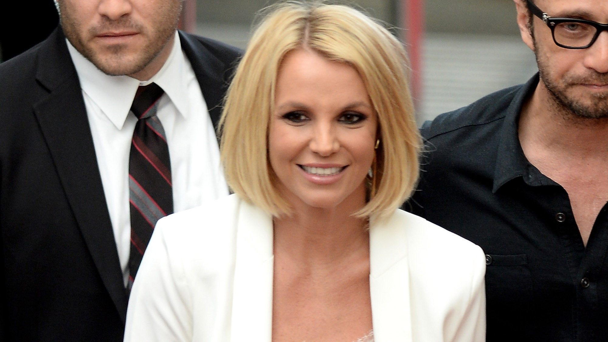 Britney Spears Hair Styles: Britney Spears Shows Off New Bob Haircut In Europe