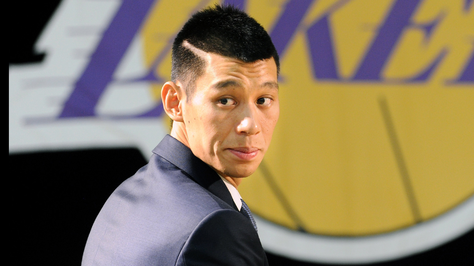 new concept 14f5b ca3e5 Jeremy Lin passed up big Linsanity payday - Chicago Tribune