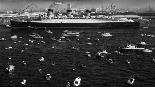 Queen Mary arrives in Long Beach in 1967