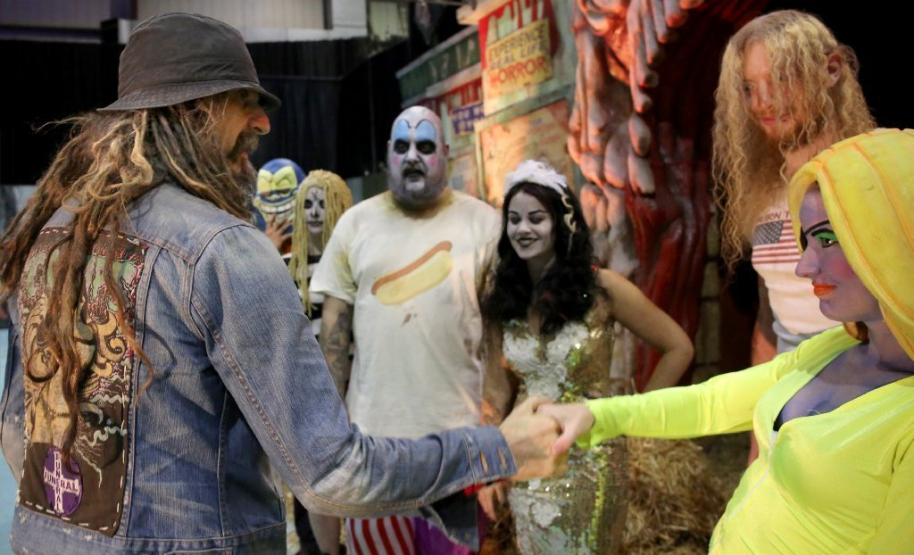 rob zombies haunted house includes john wayne gacy room