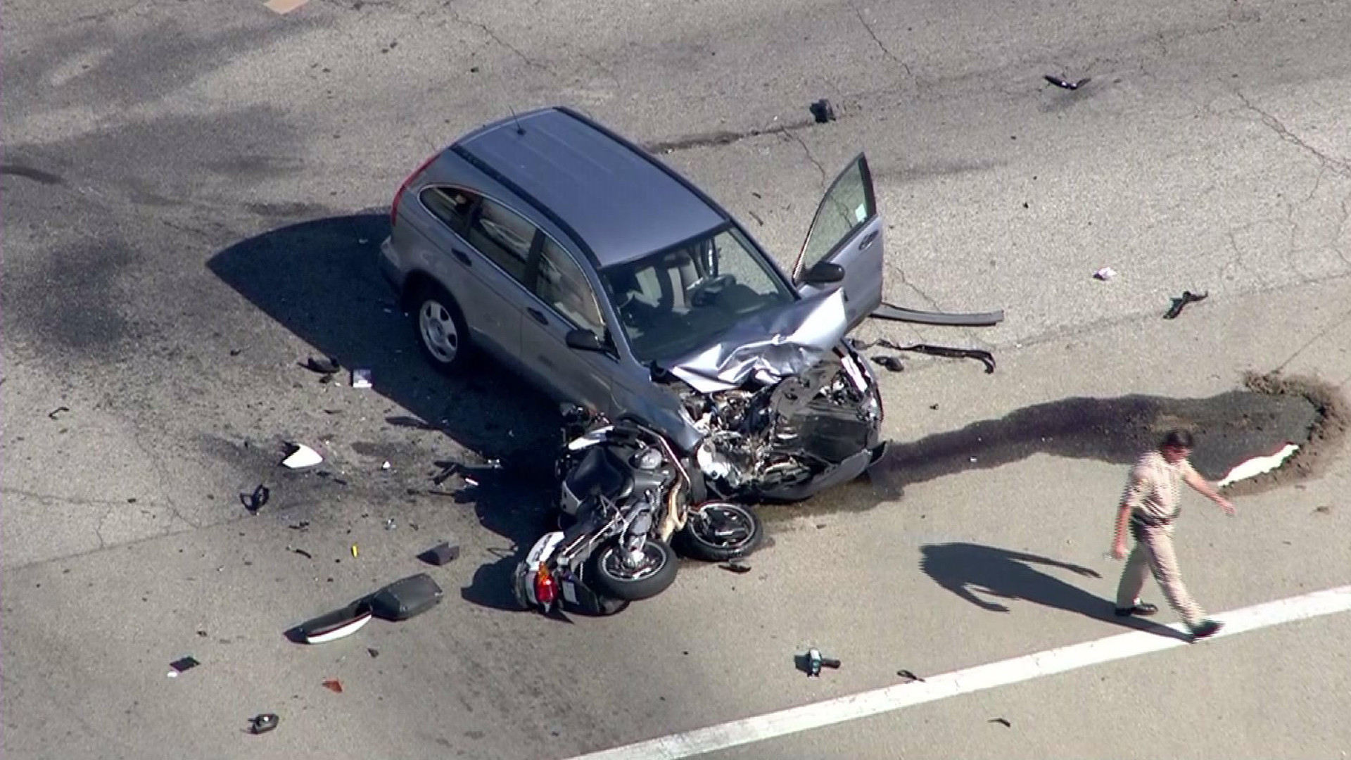 Covina motorcycle officer dies from crash with SUV
