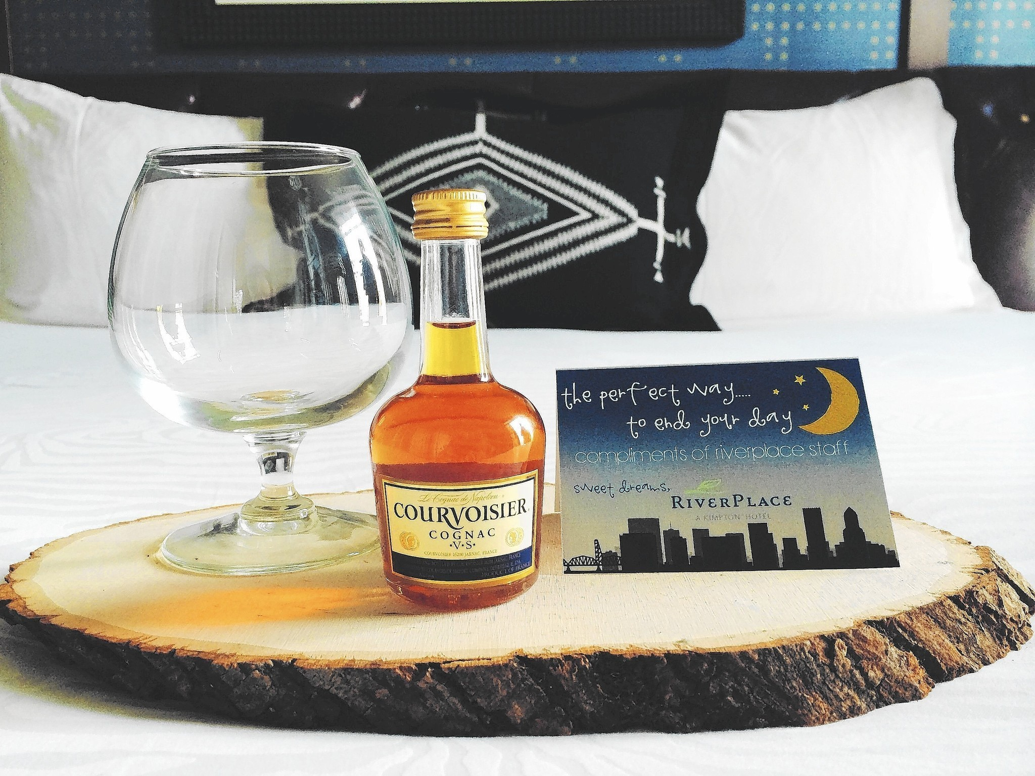 Hotels Ramp Up Turndown Gifts Chicago Tribune