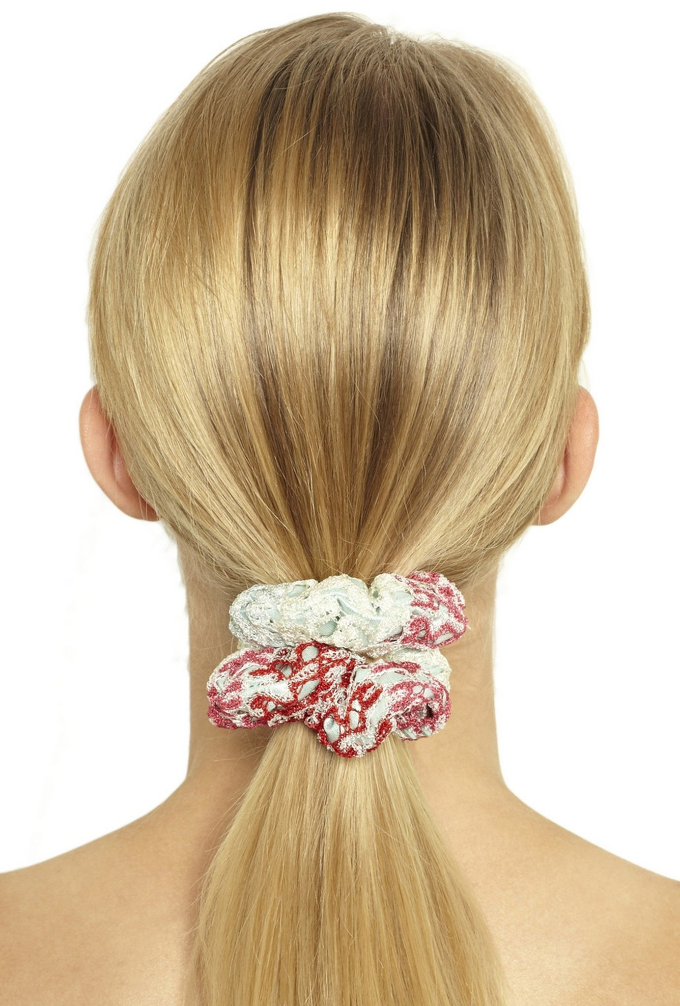 727a29315b1b12 Once-popular scrunchies are back in the fashion loop - Chicago Tribune