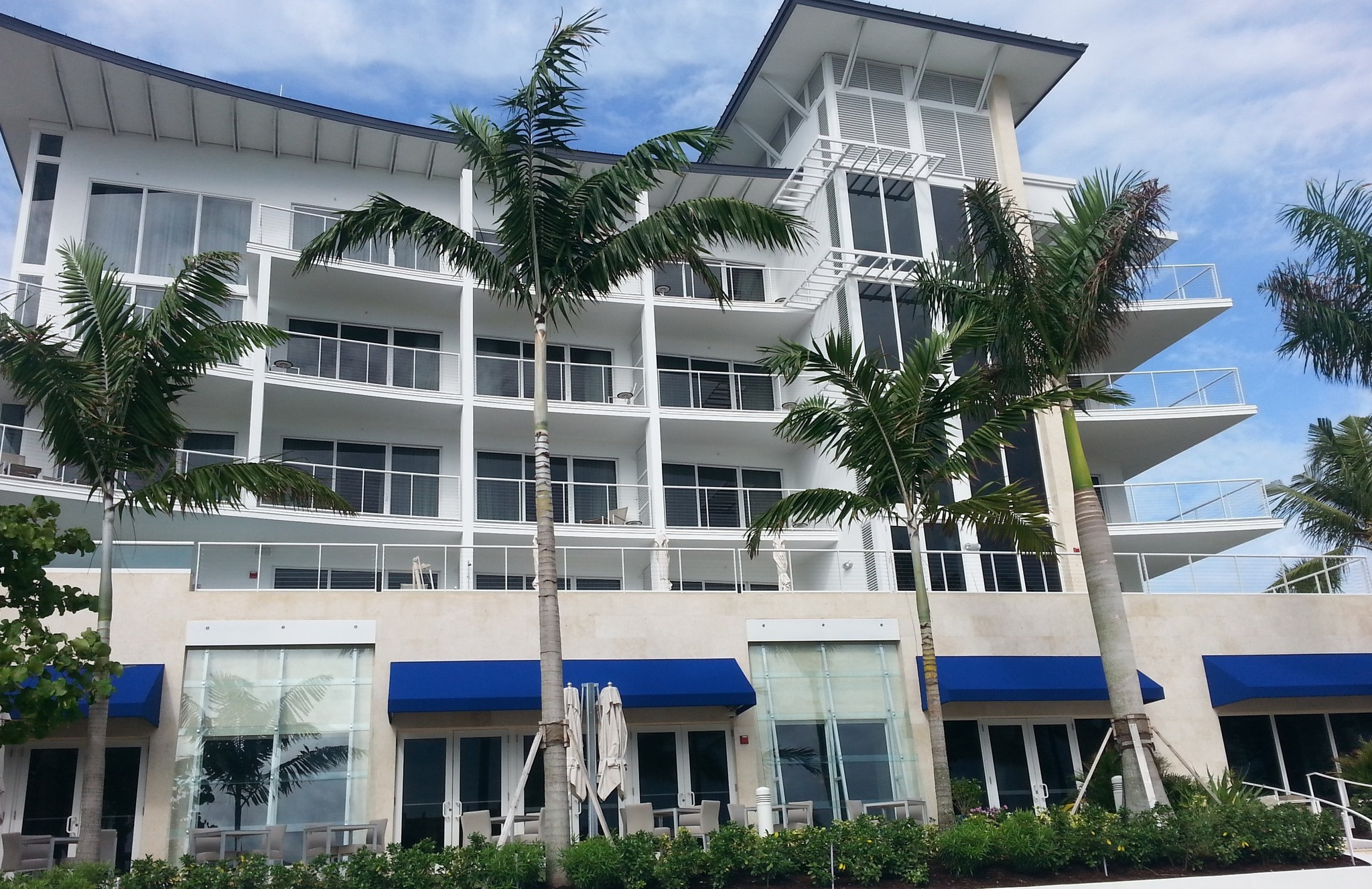 Royal Blues Boutique Hotel Opens On Deerfield Beach Sun Sentinel