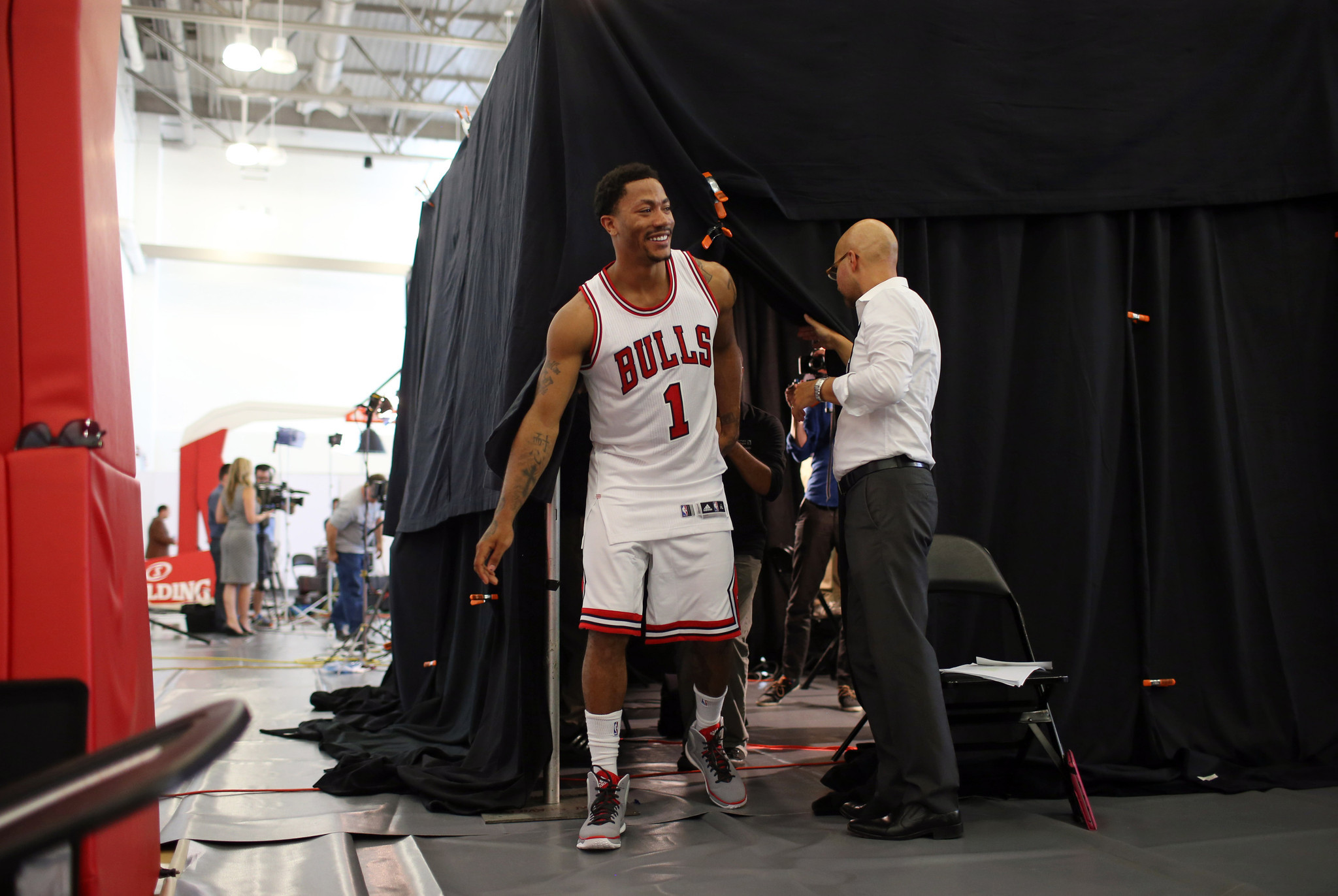 Derrick Rose is in the Derrick Rose business - Chicago Tribune bdab72ae9