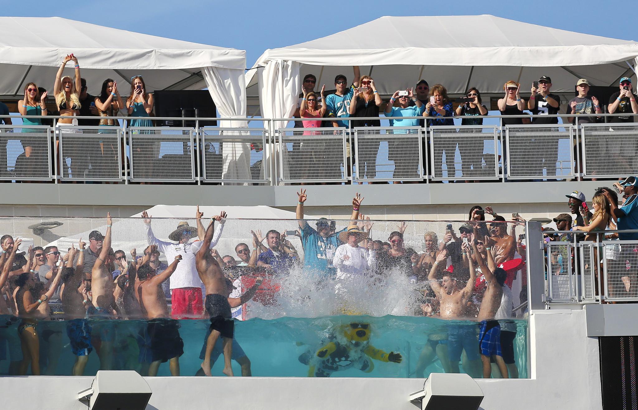 jaguar swimming pool - photo #12