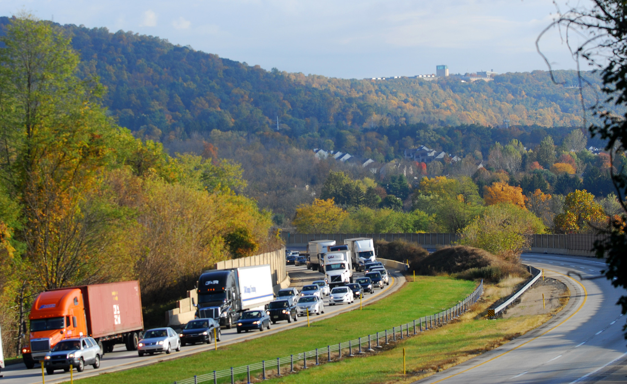 Fatal accident causes heavy traffic on Route 78 East - The