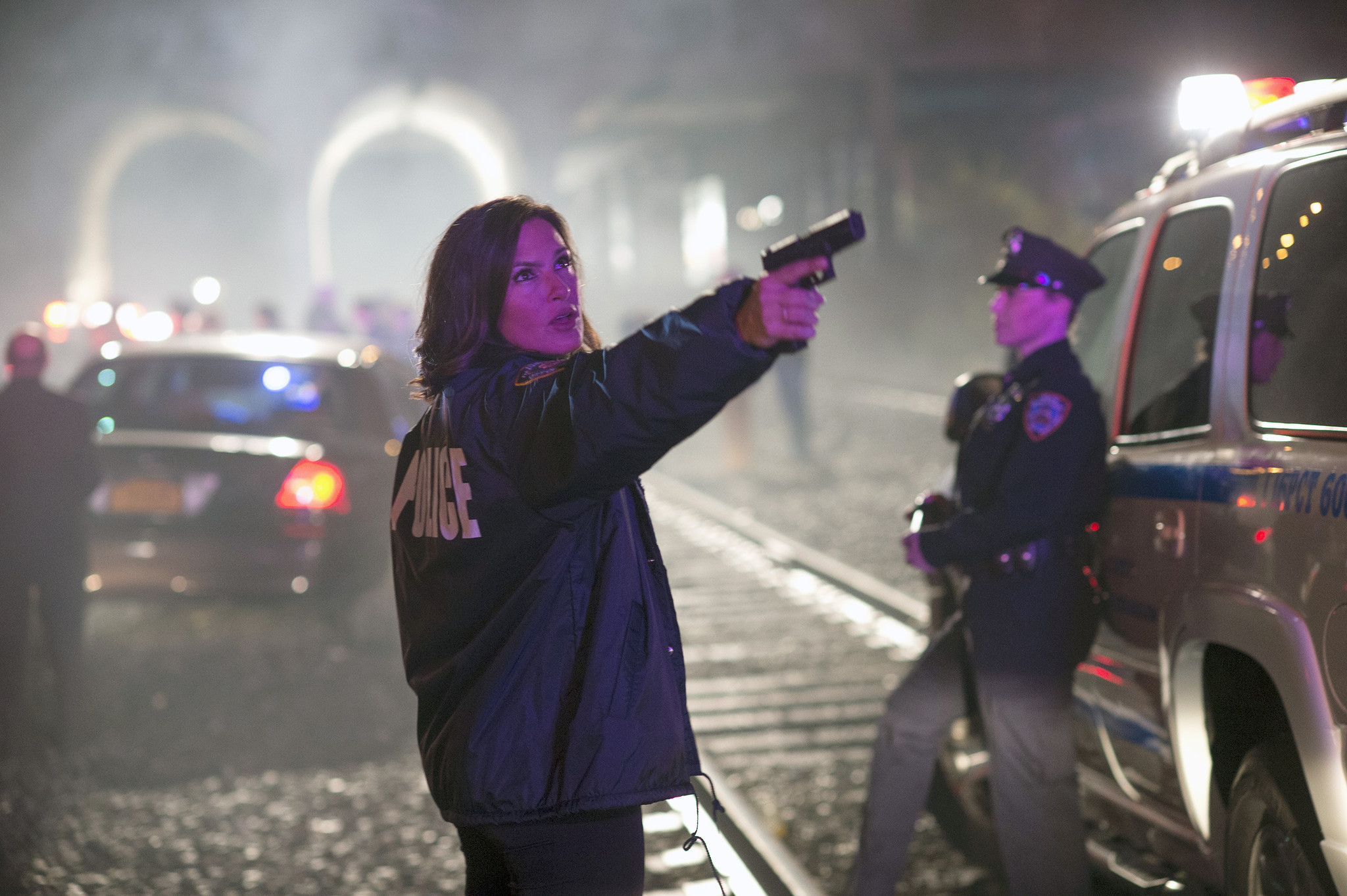 Svu Star Mariska Hargitay Filming Crossover Episode In