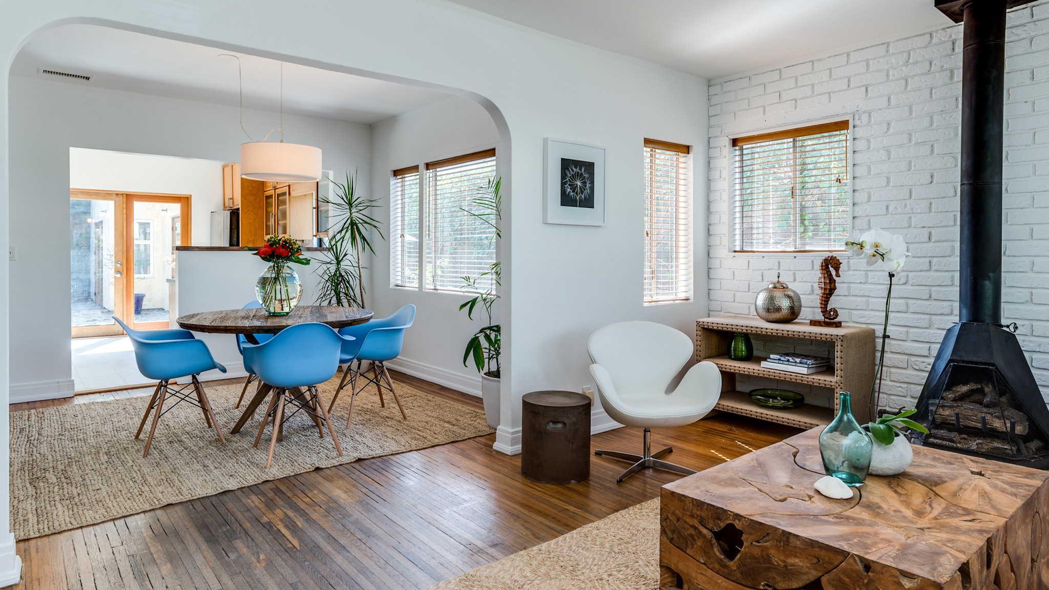 Home Of The Day Venice Beach Bungalow With Vintage Appeal