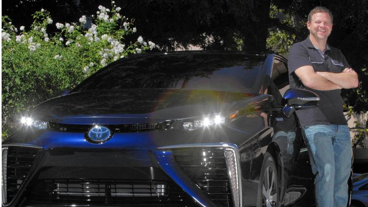 Automakers look to hydrogen fuel cells