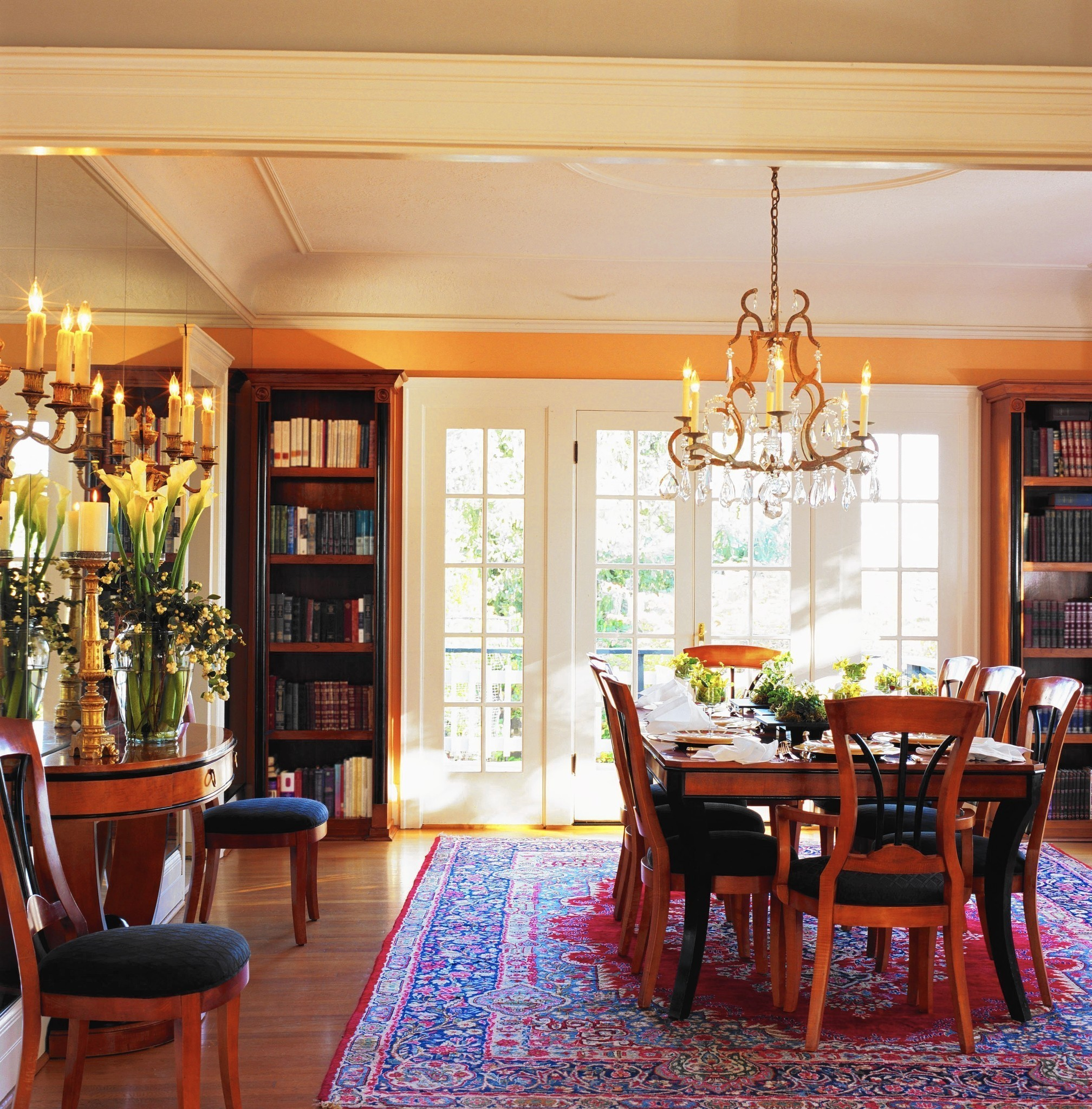 Dining Room Tables Chicago: Study Turns The Tables On Dining Room Preferences