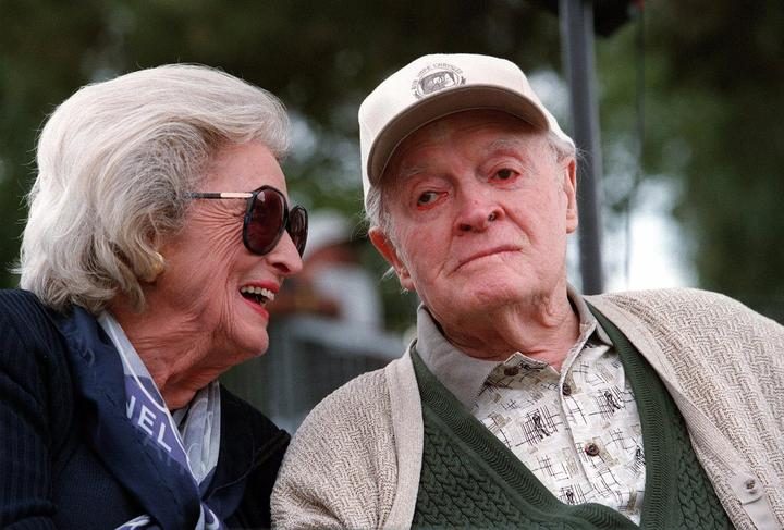 Bob Hope and his wife, Dolores, on Jan. 23, 2000.