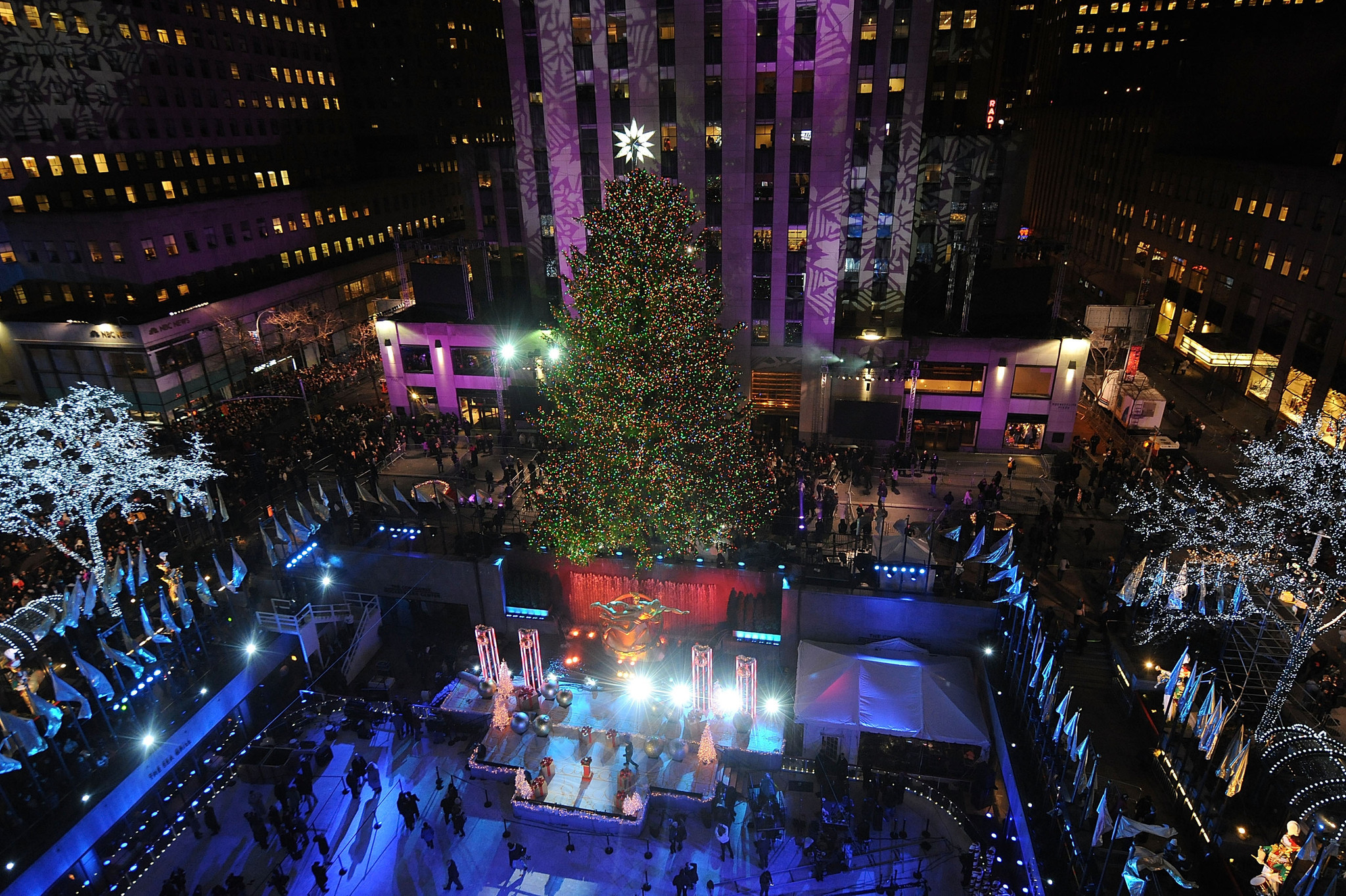 NYC to close streets around Rockefeller Christmas tree during holiday season