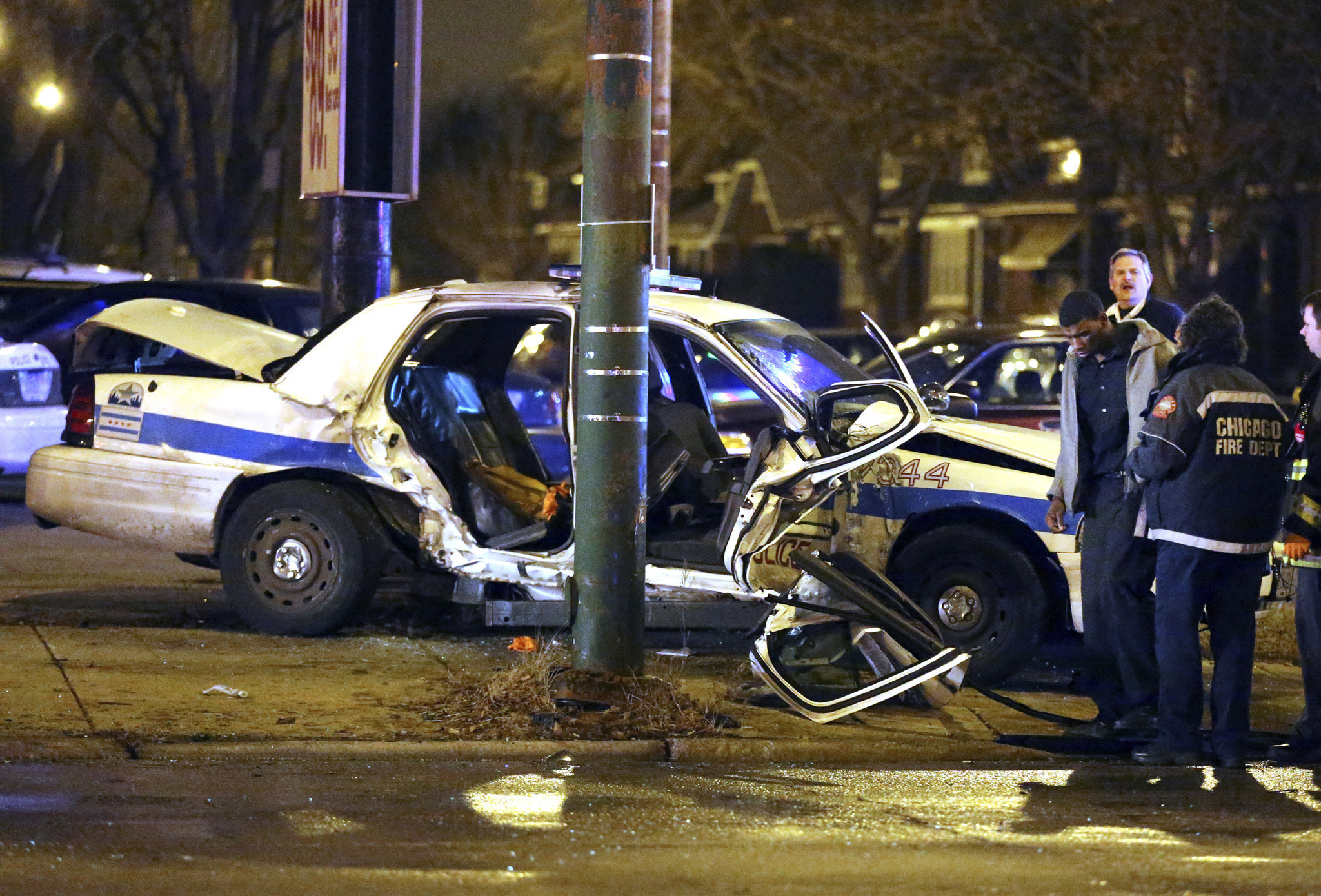 4 Seriously Injured In Crash Involving Chicago Police Car