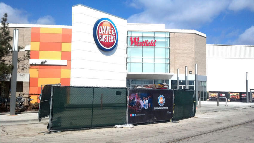 3 Arrested After Fight Erupts At Dave Amp Busters During