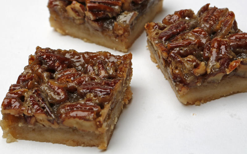 Maple pecan pie bars