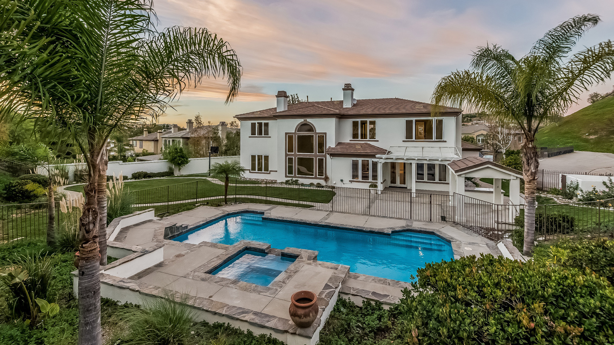 Home Of The Day Mountain Views At The Oaks Of Calabasas