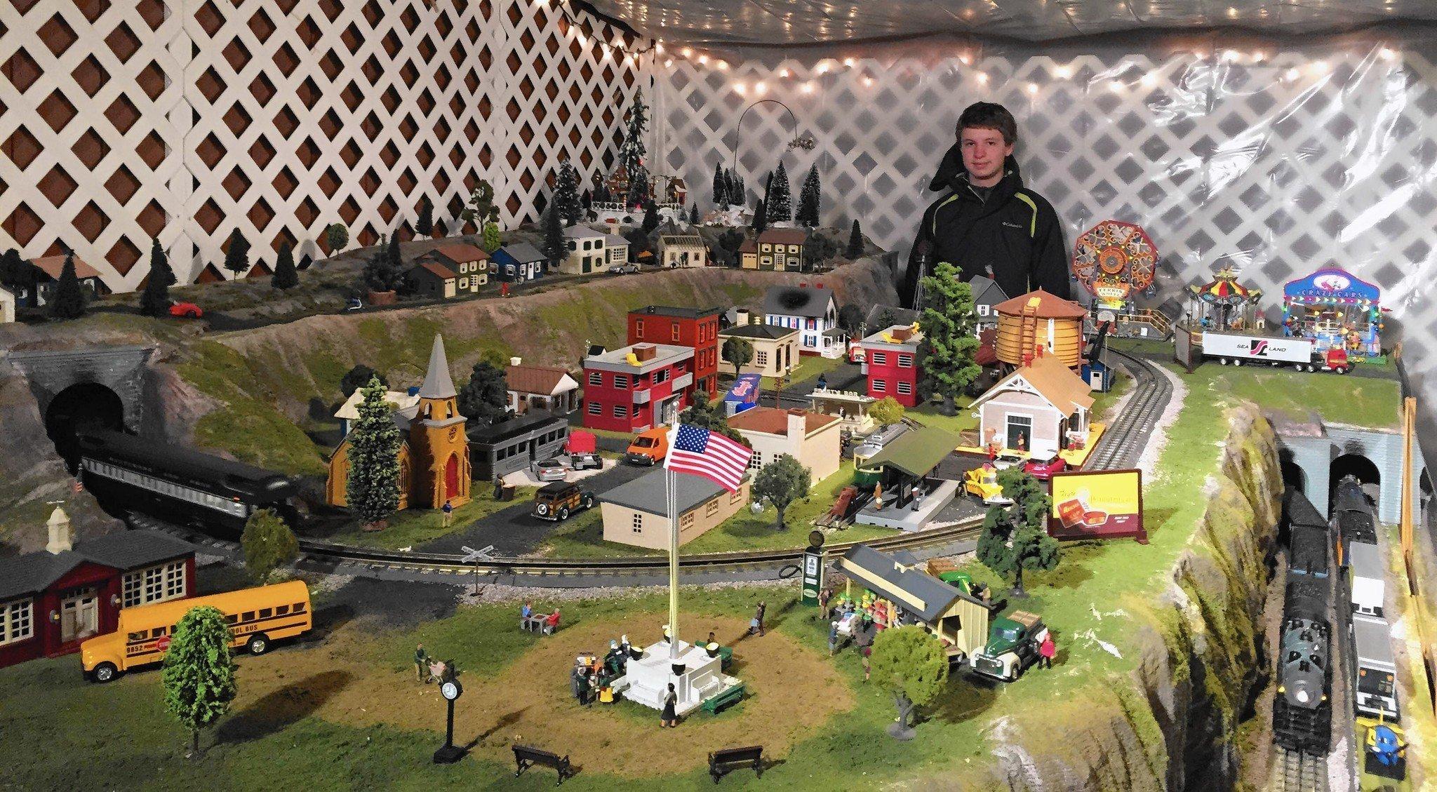 Christmas train gardens whistle and chug all over Harford - Baltimore Sun