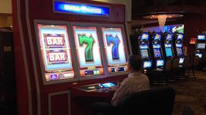 calder casino hours