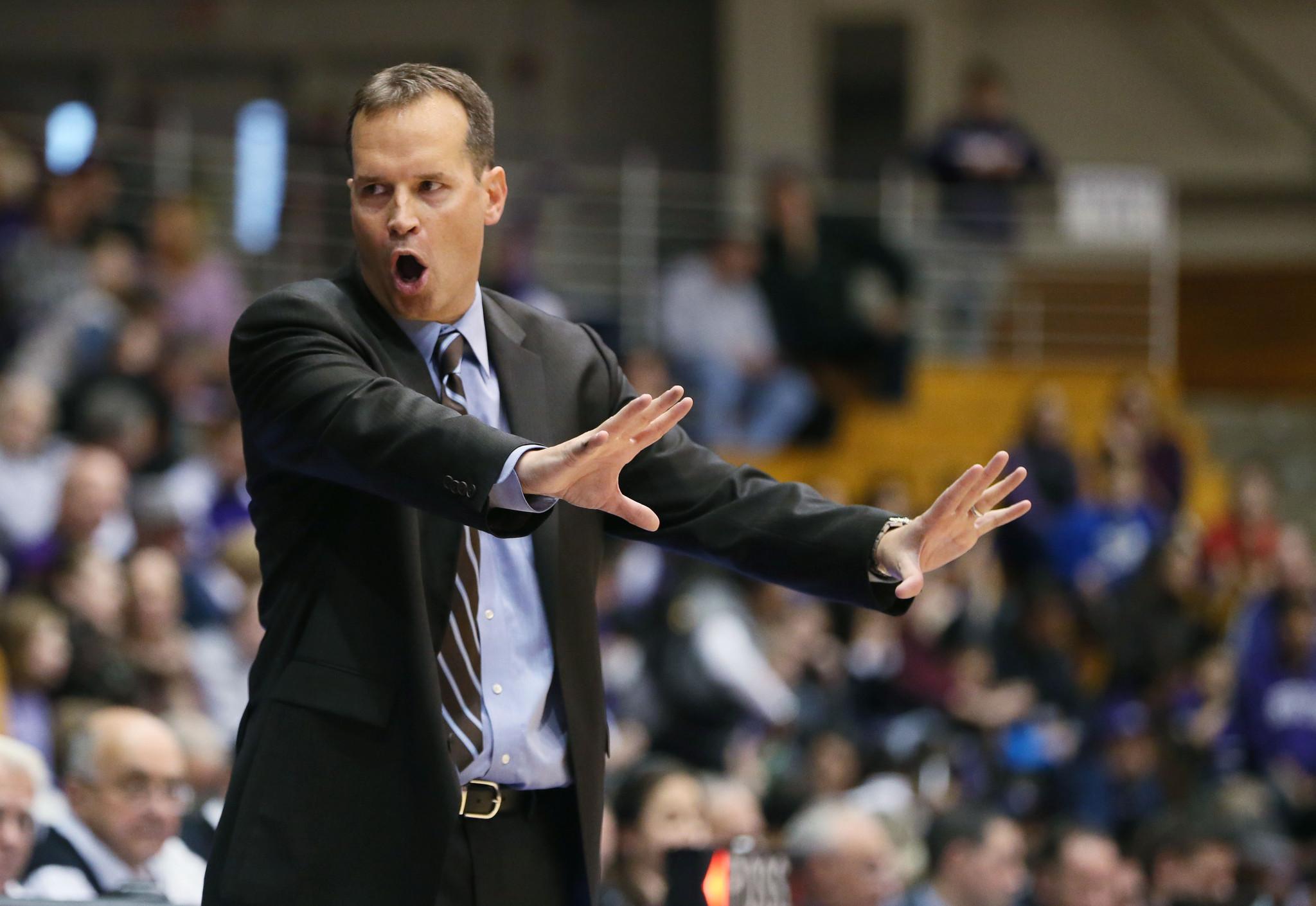 Northwestern Coach Chris Collins Not Afraid To Shake