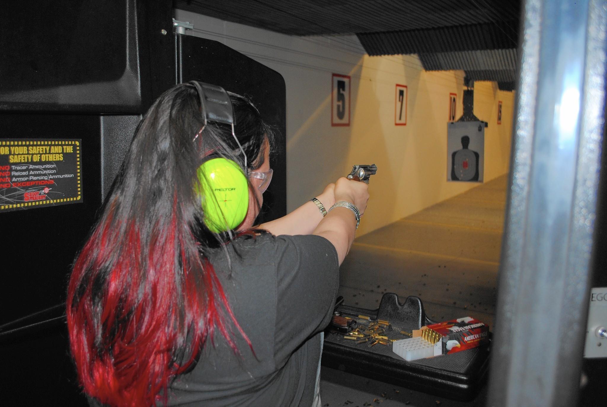 Shooting Range Orlando >> Area gun ranges busy on ladies' nights - Orlando Sentinel