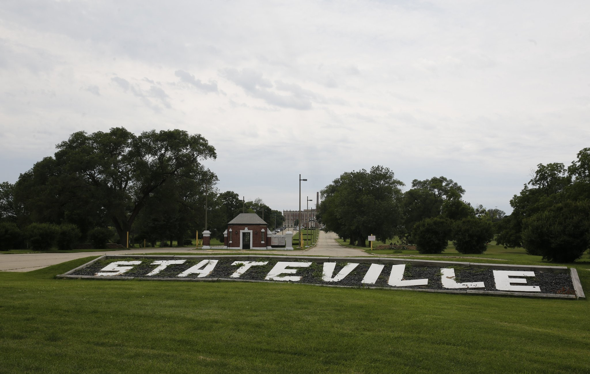 Officials Investigate Death Of Inmate At Stateville Correctional