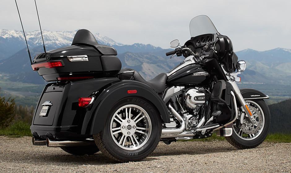 The 2016 Harley Davidson Tri Glide Ultra Provides Three: First Ride: Harley-Davidson Tri Glide Ultra