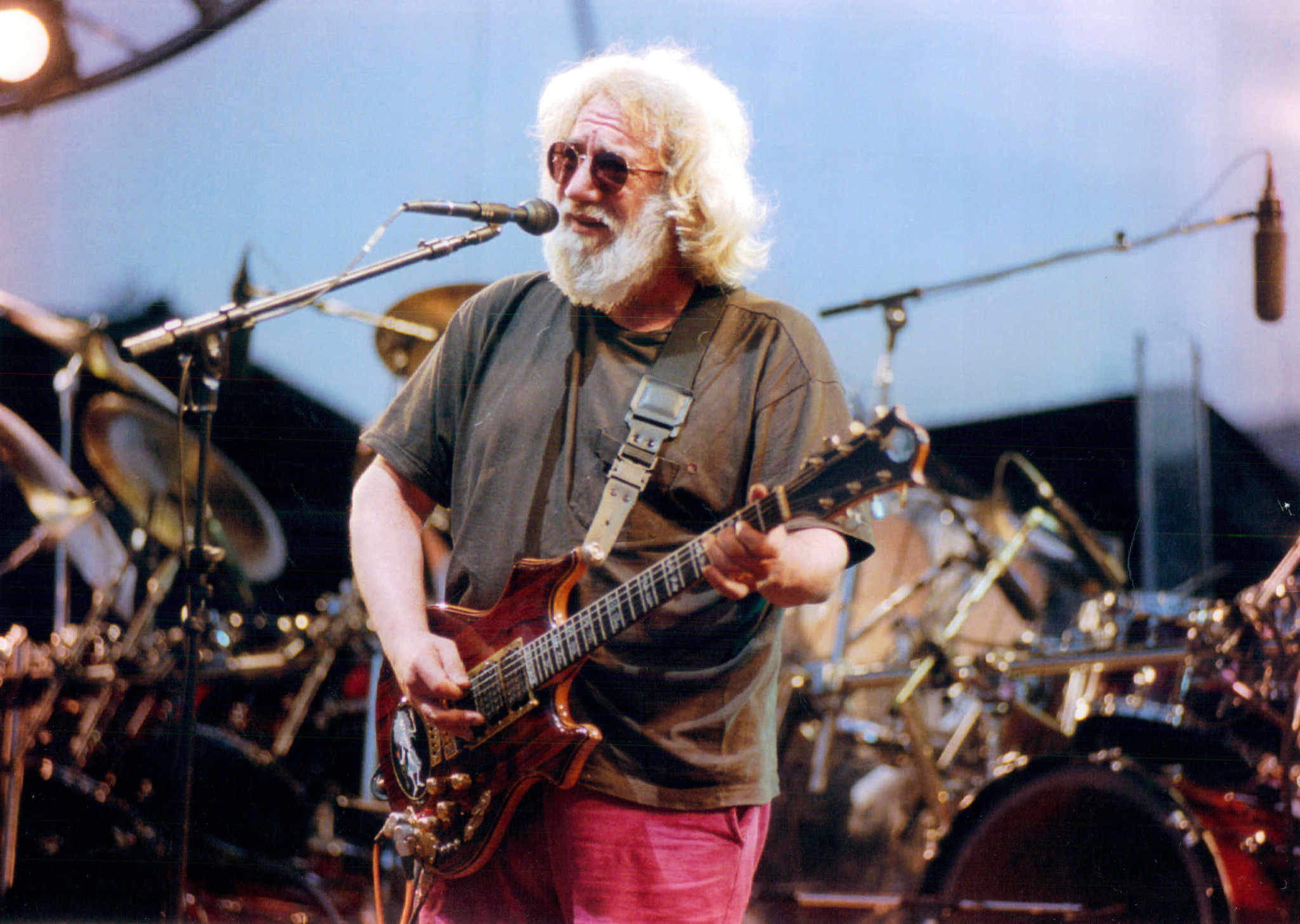 grateful dead to play with phish frontman at soldier field chicago tribune. Black Bedroom Furniture Sets. Home Design Ideas