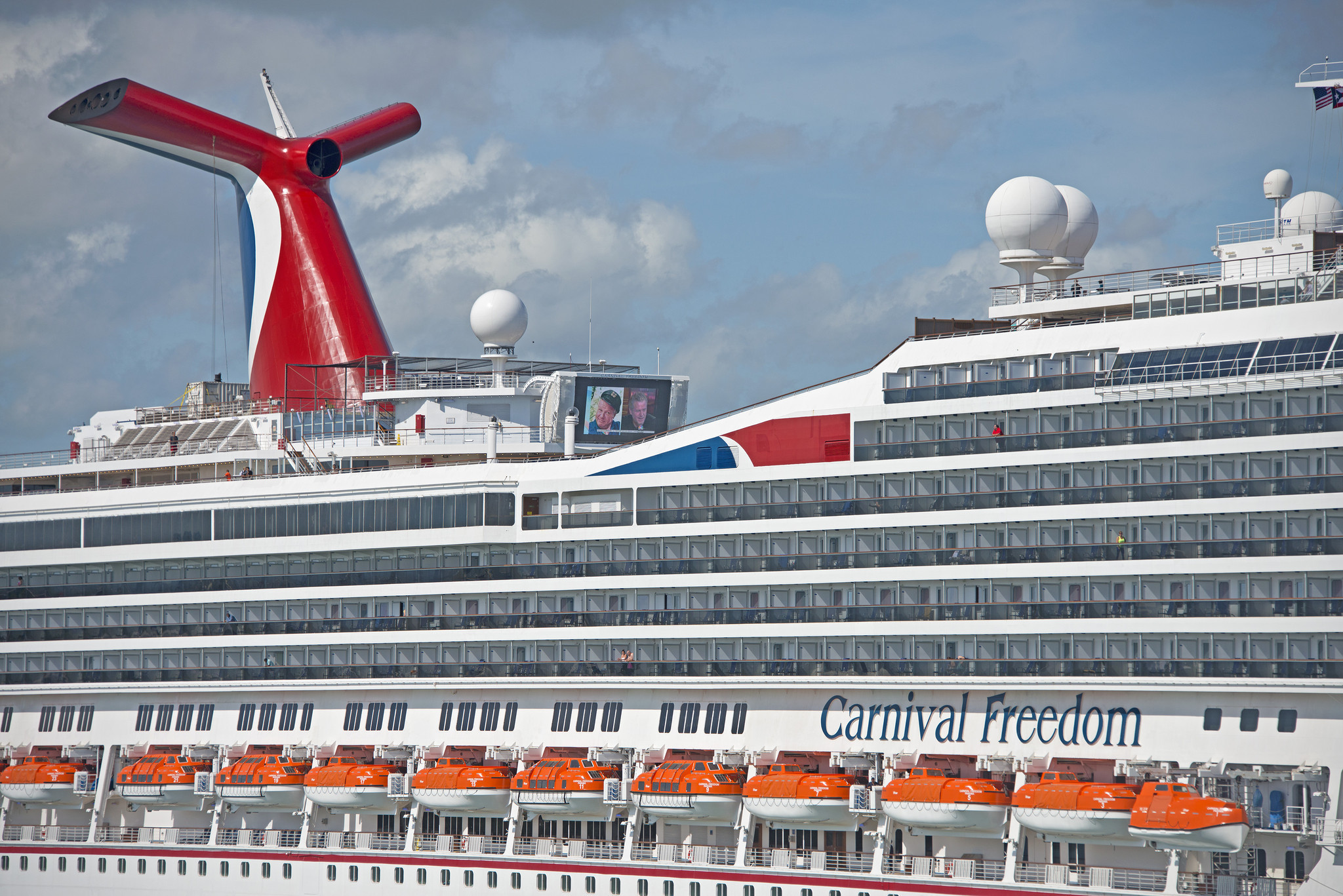 Carnival Freedom To Salute Military During Splashy Entry