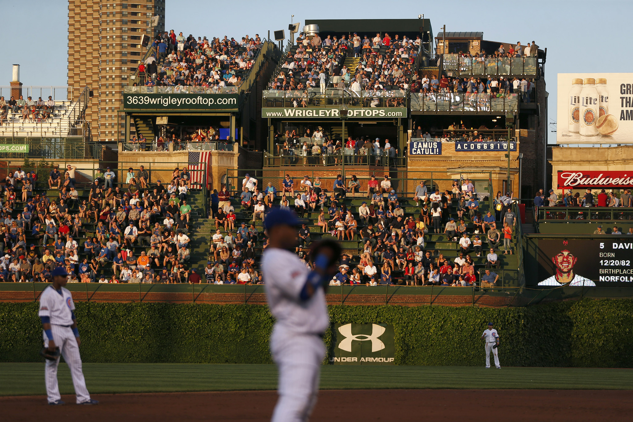 Wrigley Rooftops Sue Cubs Say Team Violated Revenue