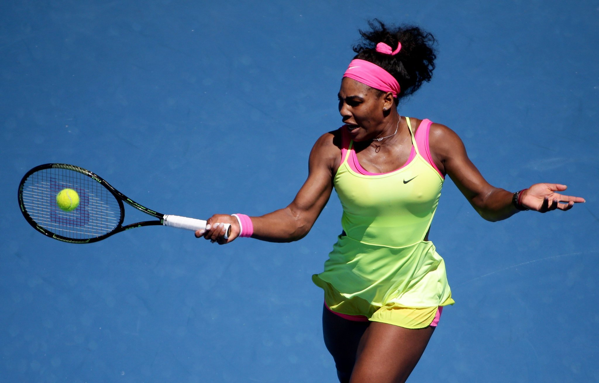 Wimbledon Williams Sisters Wow >> Serena Williams Gets Inspiration From Sister Venus To Advance At