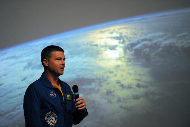 Astronaut Reid Wiseman visits Maryland Science Center ...