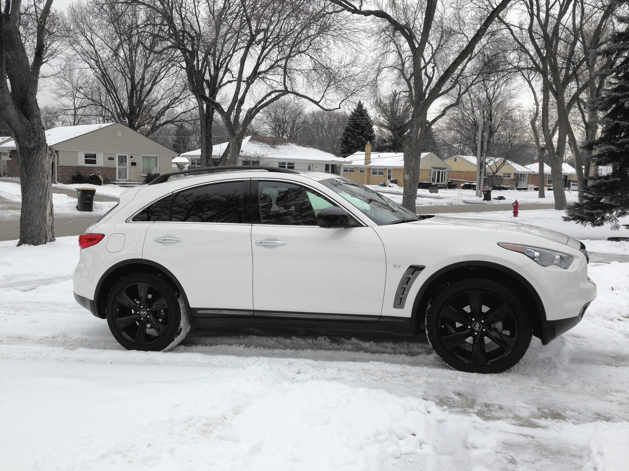 Auto Review 2017 Infiniti Qx70 Looks Better Than It Rides Chicago Tribune