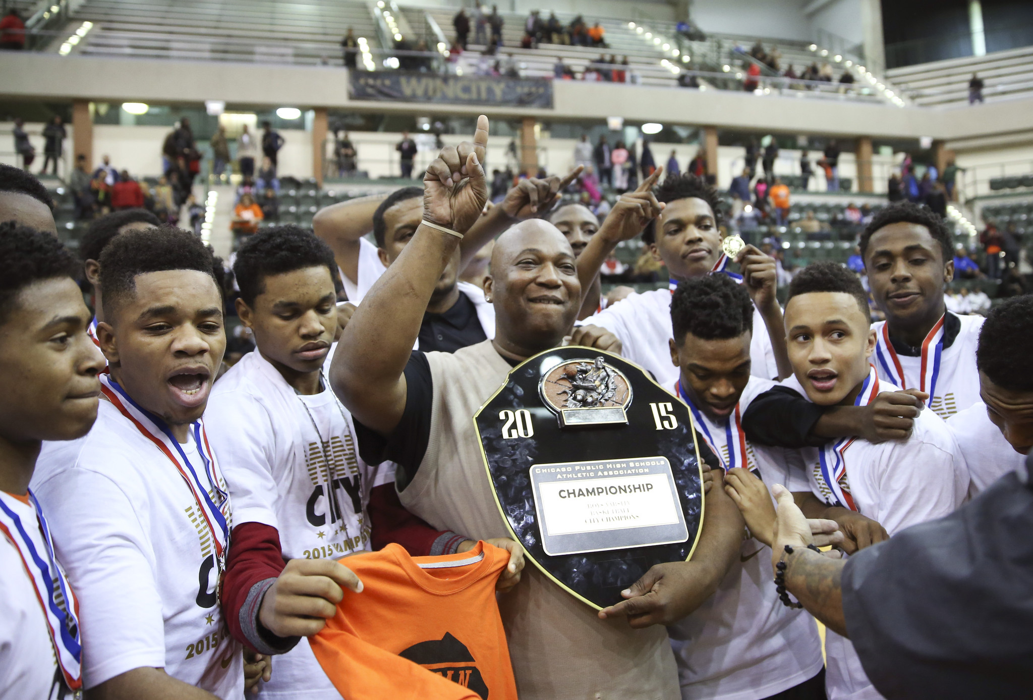 Boys Basketball: Bogan Holds Off Simeon To Win Public