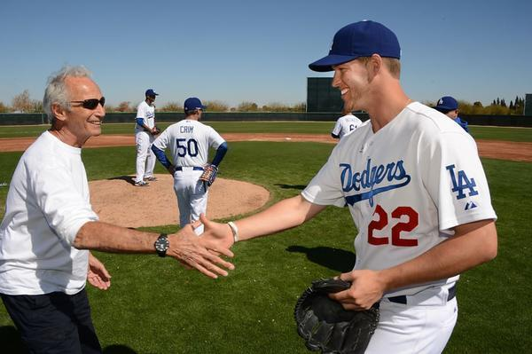Sandy Koufax expects Dodgers' Clayton Kershaw to win in ...