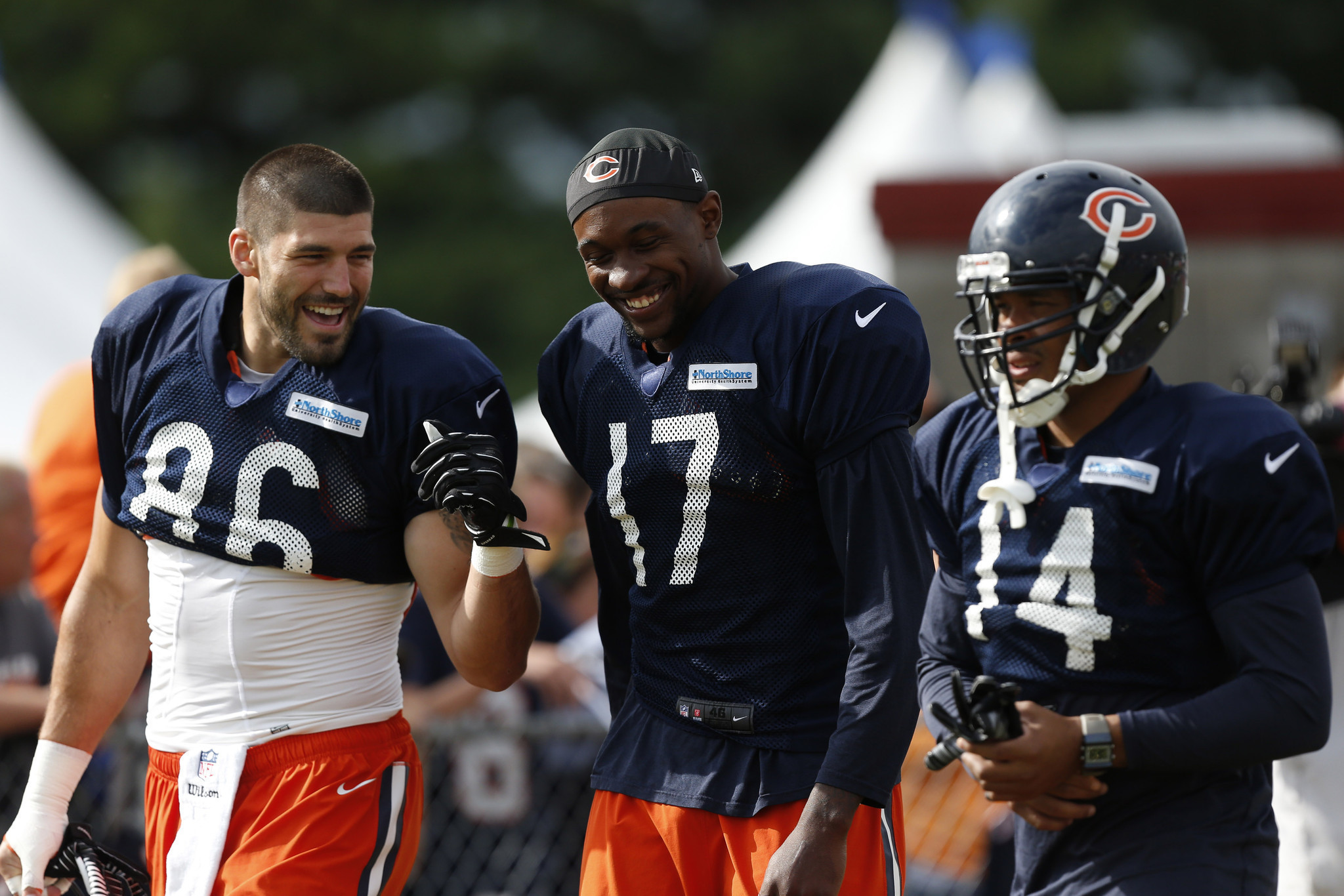 Bears re-sign Zach Miller despite injury history - Sun ...